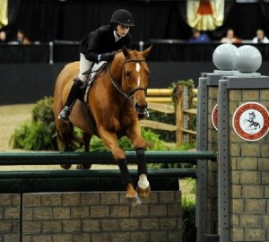 Zazou Hoffman used local member shows to qualify for the Maclay finals, which she won on OCt. 31, 2009